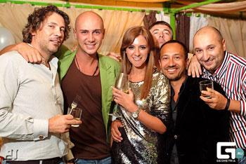 Анастасия Рыболтовер с московским промоутером Сашей Воробей и его друзьями